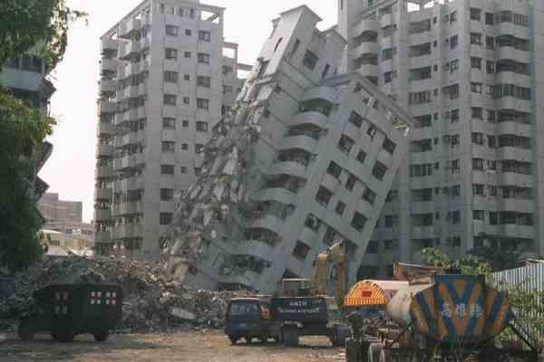 Мощное землетрясение магнитудой 6,9 произошло в Мексике