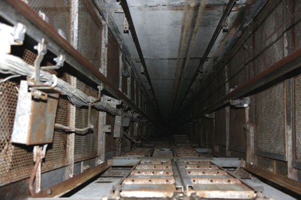 В Харькове в лифтовой шахте погиб 11-летний мальчик