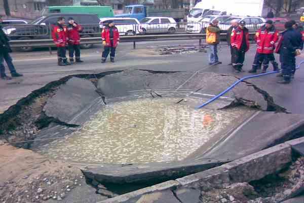 Колоссальный прорыв старого водопровода затопил Нью-Йорк