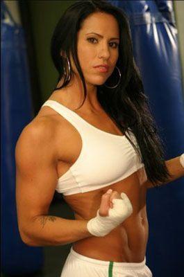 Красивые и опасные бойцовые девушки (фото)