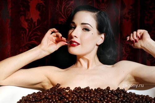 Сексапильная Дита фон Тиз в шоколаде