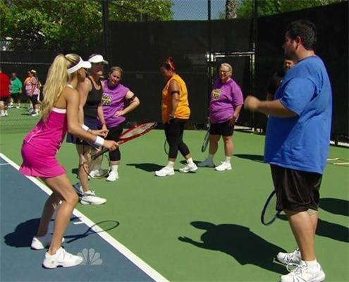 Анна Курникова тренирует американских толстяков. ФОТО