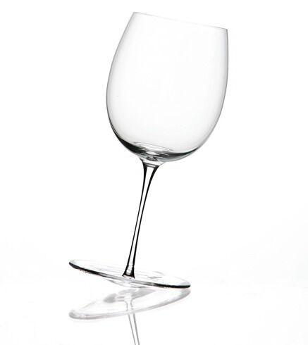 Пара необычных бокалов