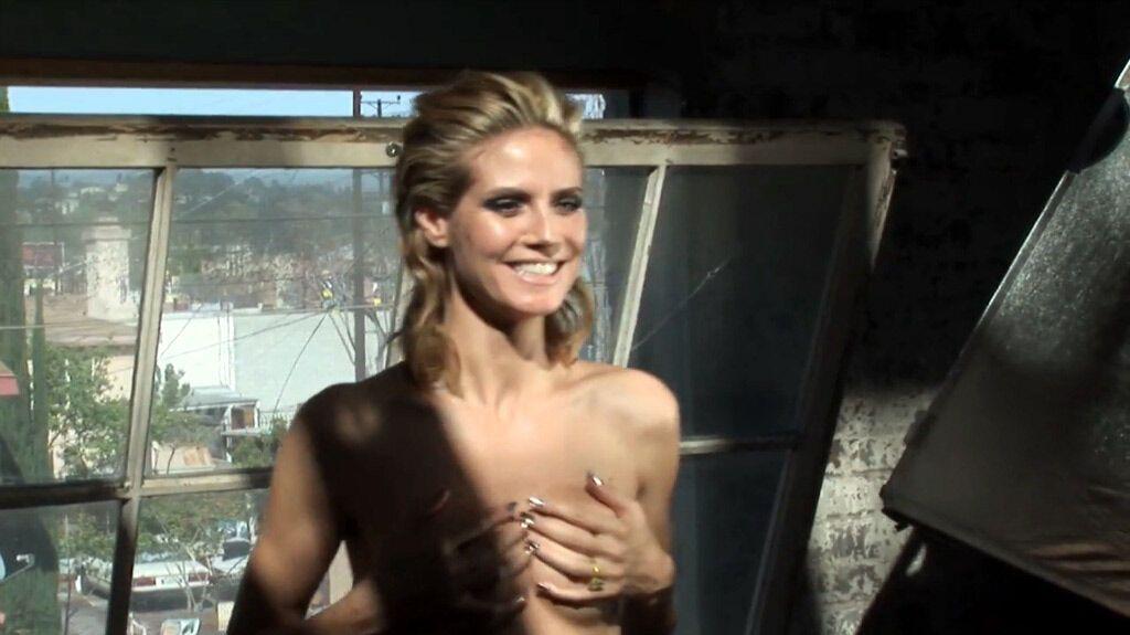 Приватные фото Хайди Клум топлесс для Vogue