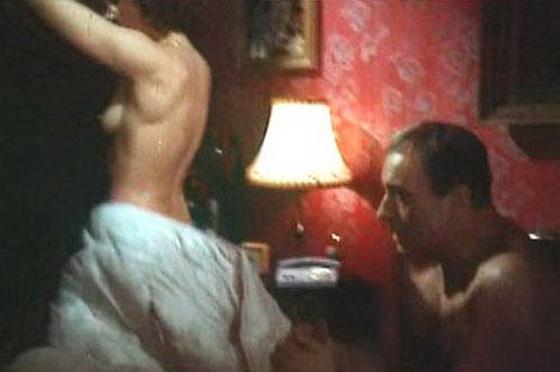 video-virezka-iz-rossiyskogo-kino-s-eroticheskimi-epizodami-porno-v-kablukah-video