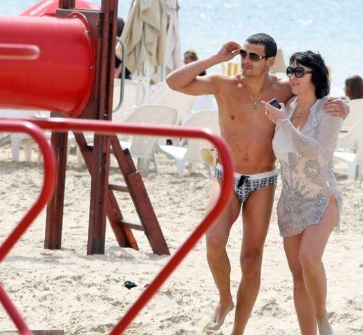 Видео с любовницами на пляже — 9