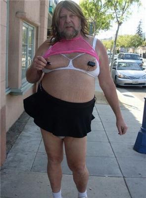 Девушка с лопатками вместо груди, котики. Позитив дня