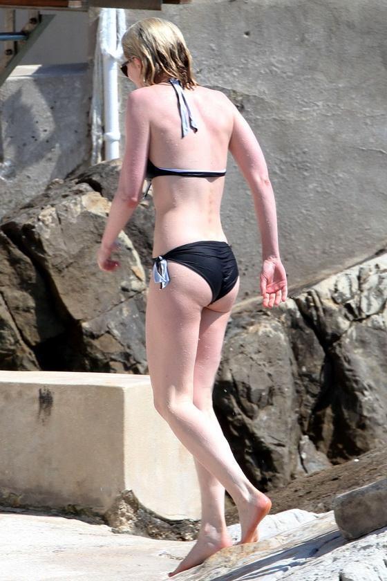 kirsten-danst-v-bikini