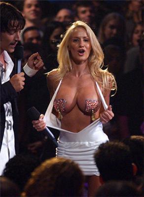 Звезда Playboy хочет групповой секс со сборной Аргентины