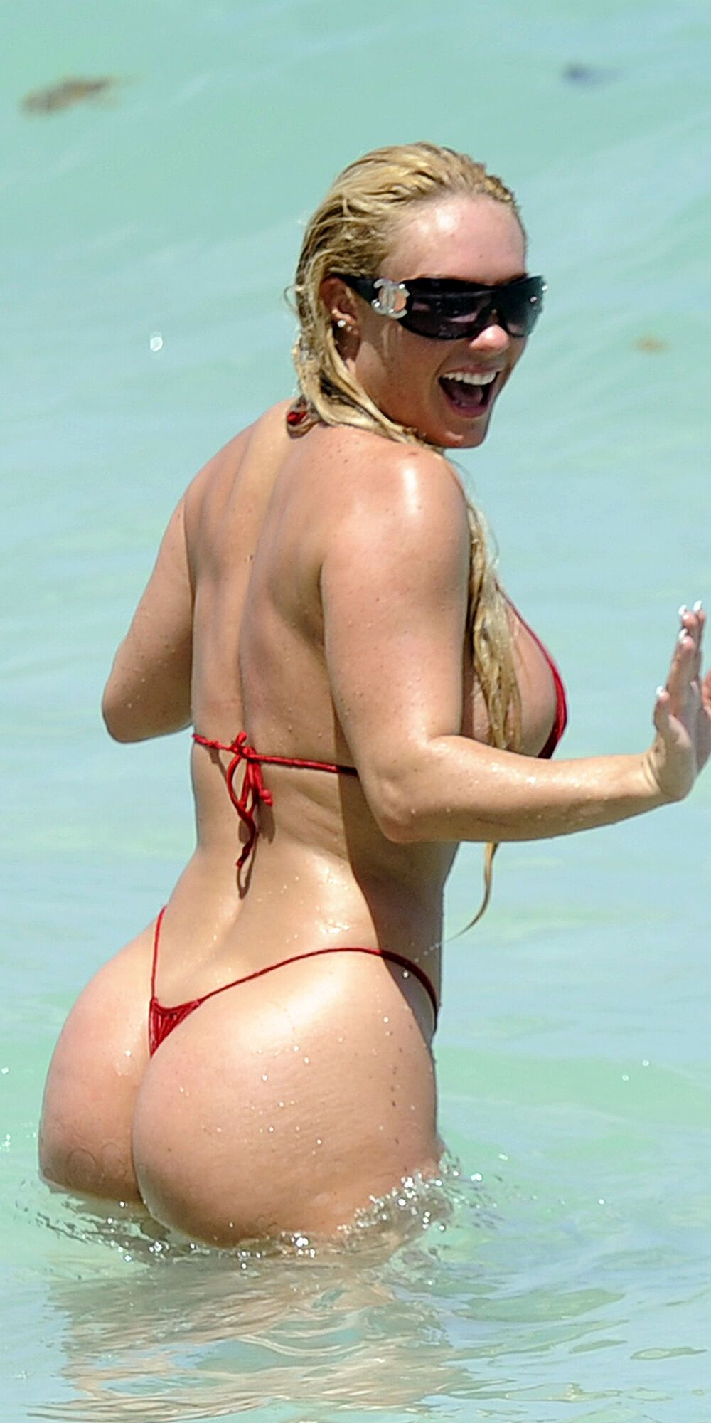 nicole-austin-red-bikini-miami-toying