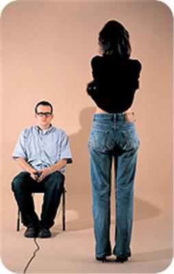 Лондонская художница сфотографировала себя в стриптизе. ФОТО