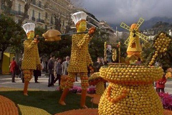 Апельсинові скульптури. Помаранчевий рай