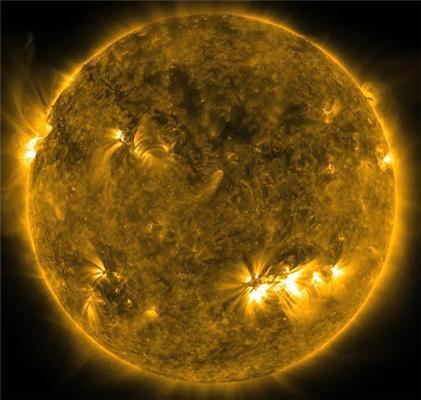 Сонце вистрілила плазмою у бік Землі