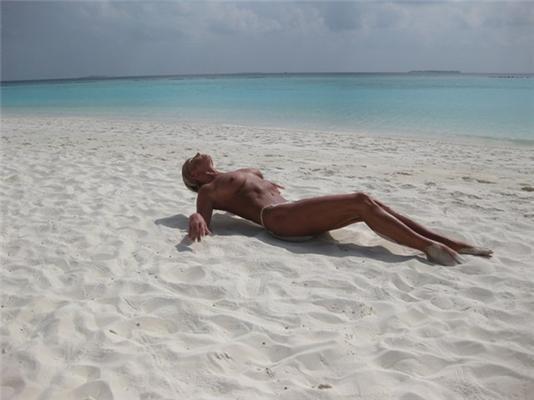 Волочкова устроила эротическую фотосессию на Мальдивах. ФОТО