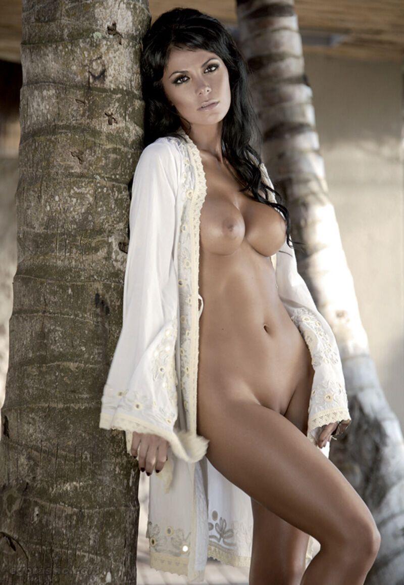 Nude Models On Twitter
