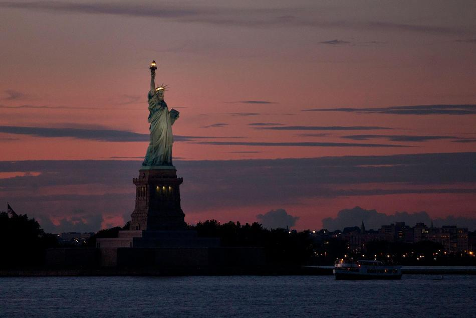 an analysis of liberty enlightening the world in 1886