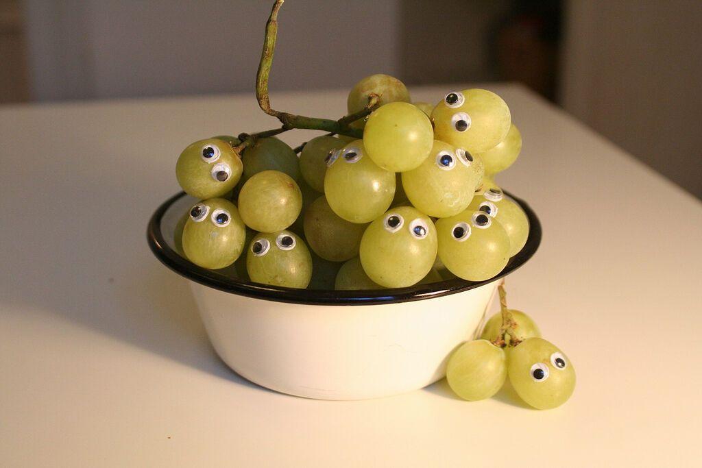 Смешные картинки фруктов с глазами