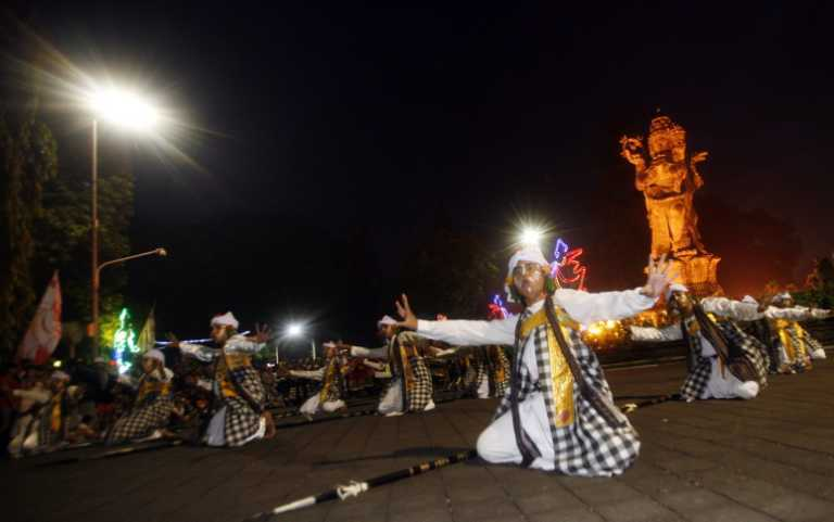 Новий рік по всьому світу у фото і відео