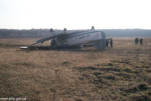 Під Житомиром при посадці загорівся літак. Фото