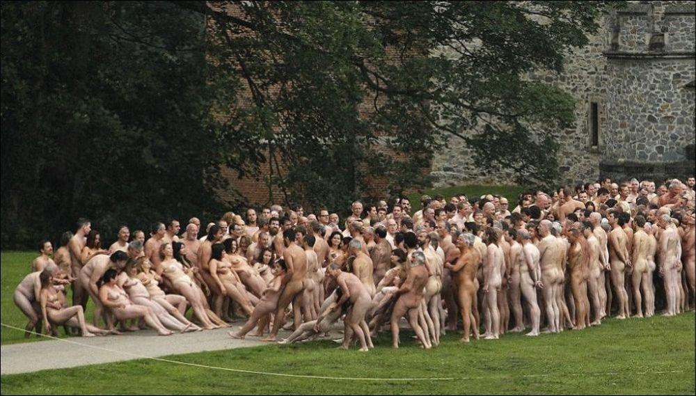 Фильм где голая девушка и голый мужчина, голый мухтара сафарова