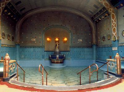 Топ-14 самых интересных бань мира. Фото