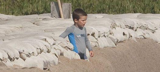 Бекхэм обучает сына на пляже