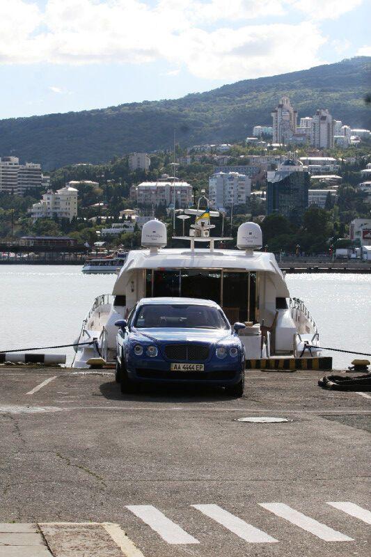 Камалия «убила» Ялту роскошью своей яхты
