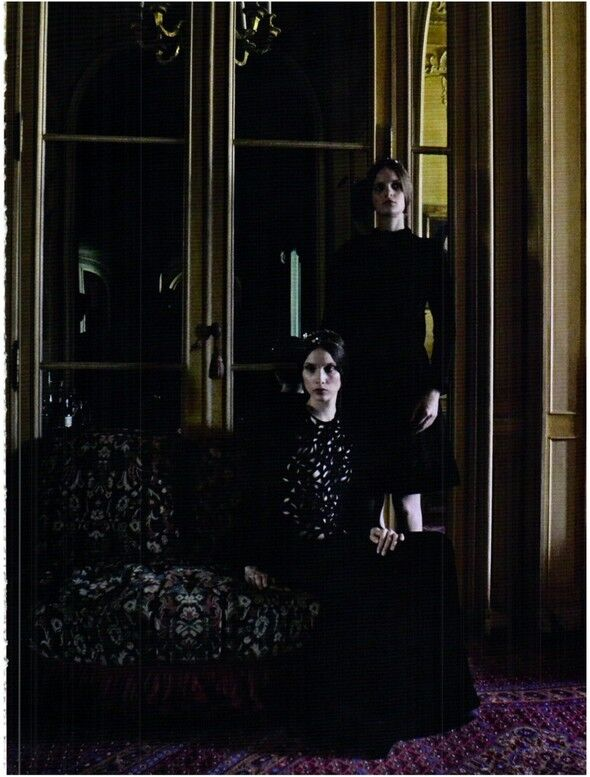 Vogue продемонстрировал работы Valentino