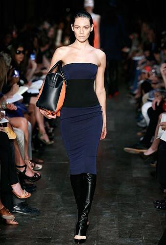 Неделя Моды в Нью-Йорке: весна-2012 от Виктории Бэкхем. Фото