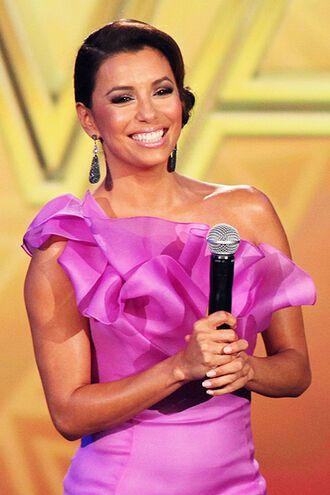 Шикарные платья Лонгории на ALMA Awards