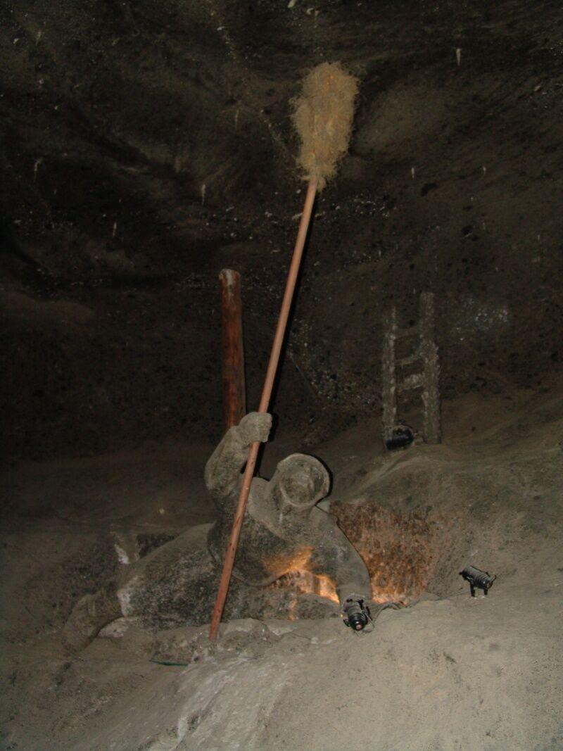 Величка - знаменитая соляная шахта