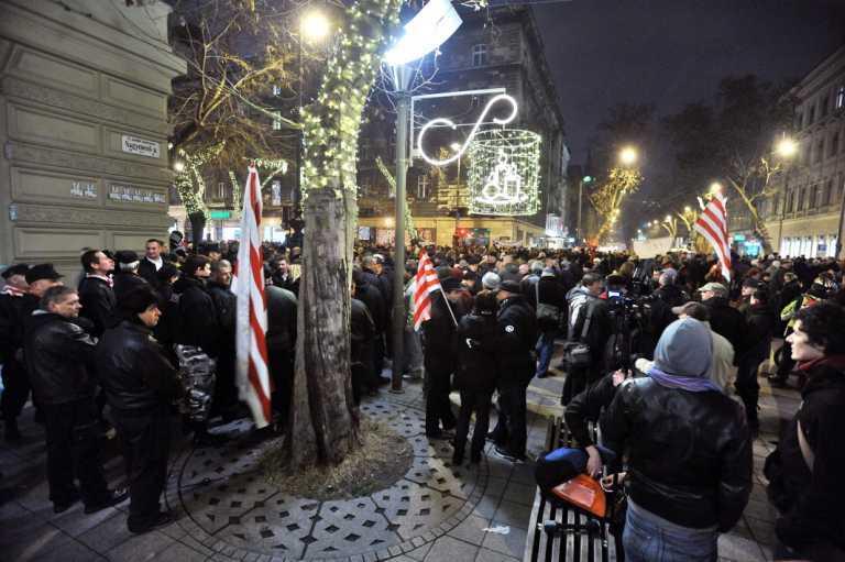 В Угорщині 30 000 чоловік вийшли на мітинг проти нової конституції. Фото, відео