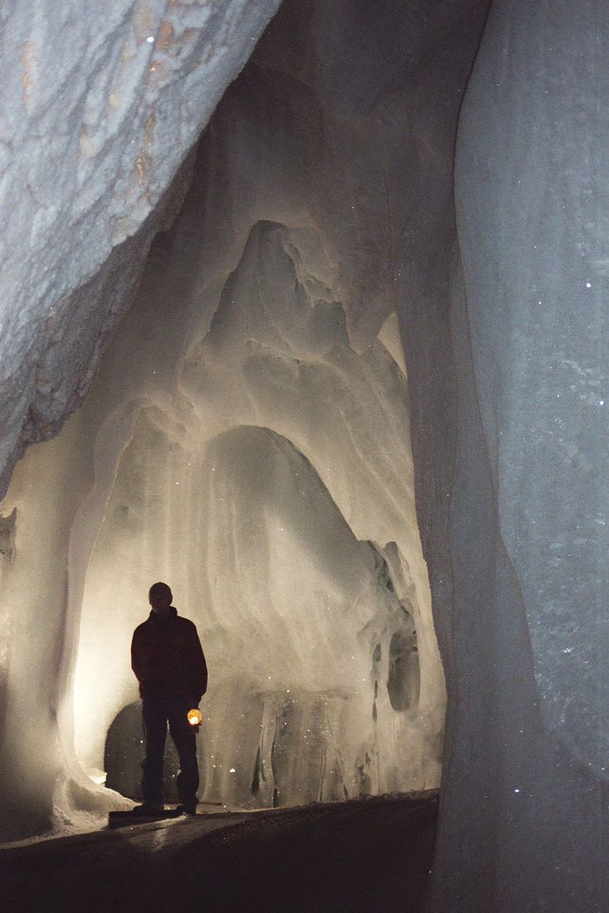 Льодові печери з усього світу