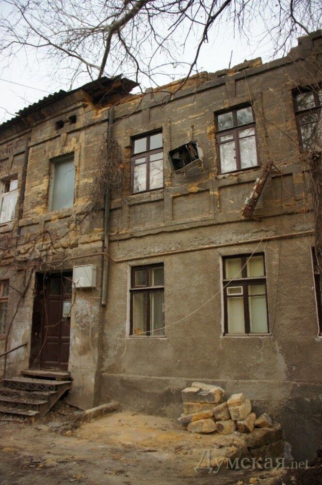 В центре Одессы обрушился многоквартирный дом: люди спаслись чудом. Фото