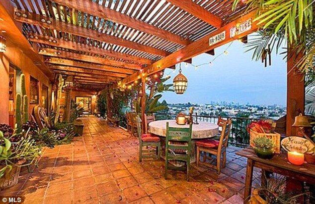 Кристен Стюарт решила купить дом за 2.195 $ млн
