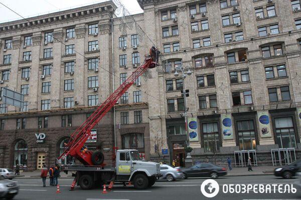 На Майдане подготовили клумбу для новогодней елки