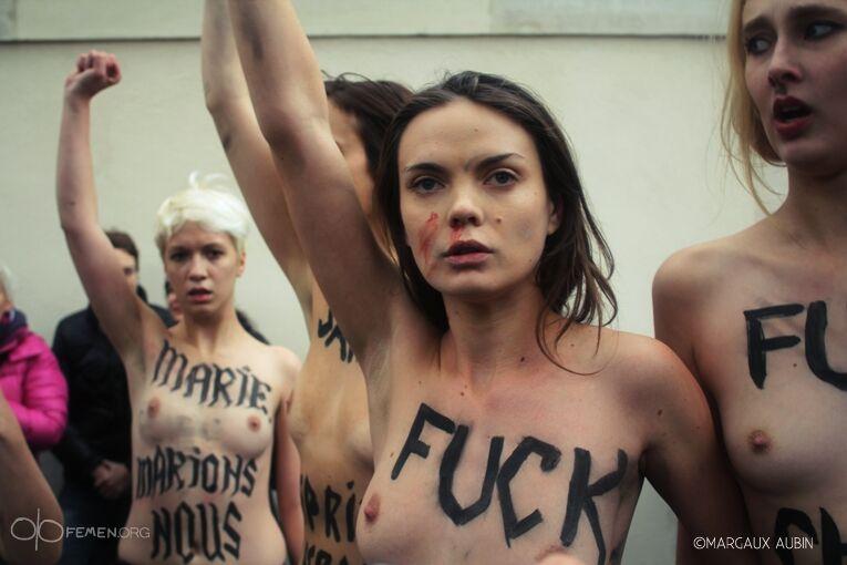 избиение голых девушек фото - 11