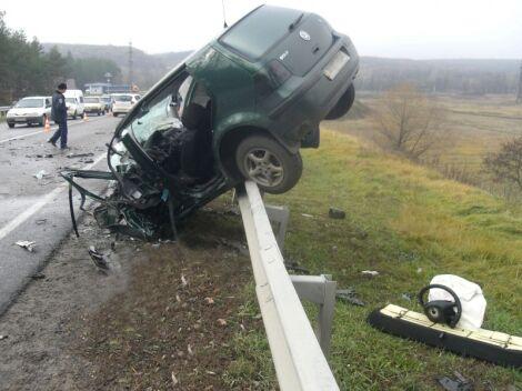 На Харківщині зіткнулися чотири авто: двоє загиблих, п'ятеро поранених