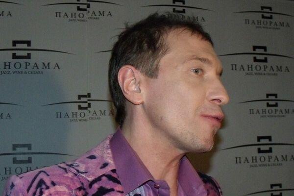 Соседов спел с Натаникой дуэтом