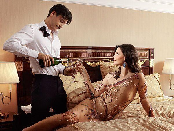 похотливые жены изменяют своим богатым мужьям этом