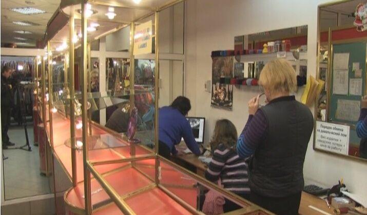 На Луганщині невідомі в масках пограбували ювелірний магазин