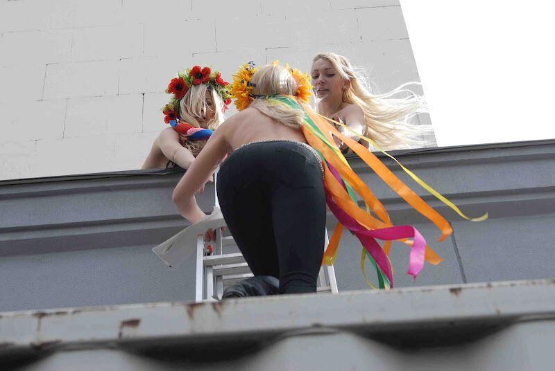 FEMEN требует казни для николаевских насильников. Фото