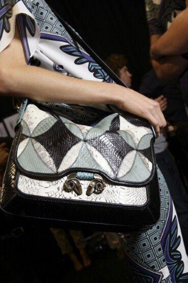 Топ-20 самых модных сумок весны-лета 2012. Фото