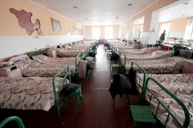 Экс-судью Зварича могут назначить завхозом от зеков. Фото