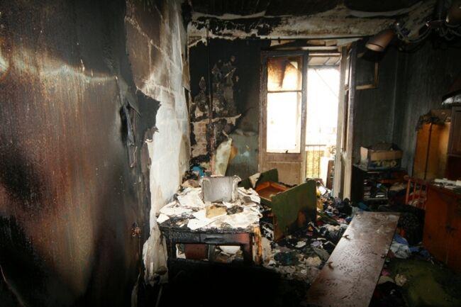 В жилом доме Киева произошел пожар, погибла семья