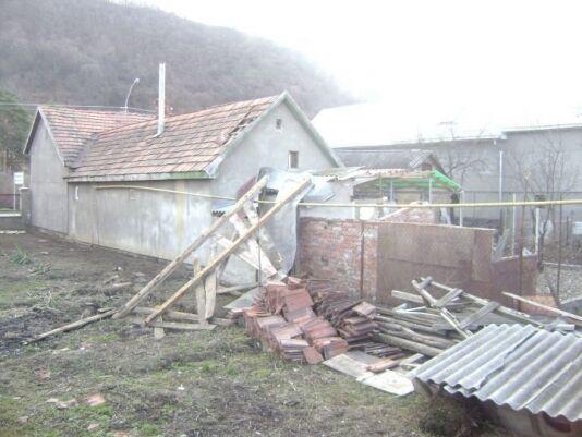 На Закарпатье ураган сносил крыши домов. Фото