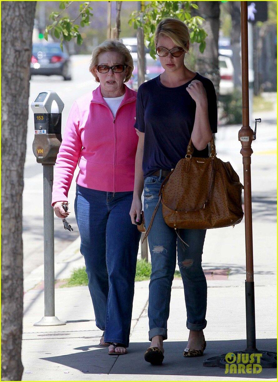 Хейгл встретилась с Ненси за ленчем. Фото