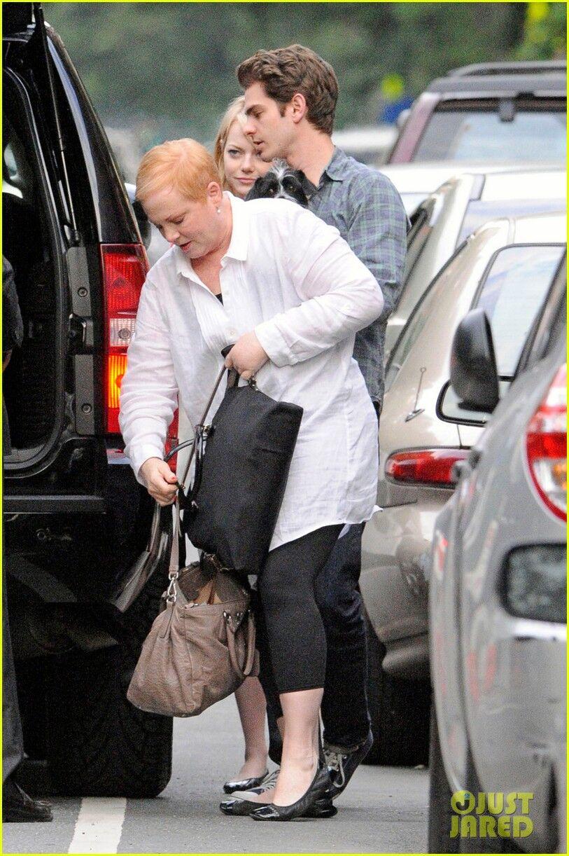 Гарфилд и Стоун прощаются с мамой. Фото