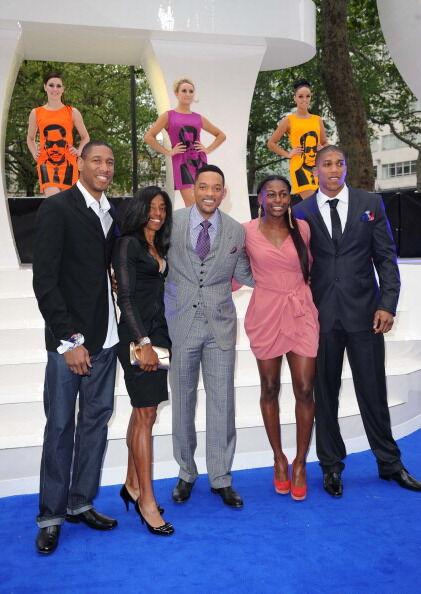«Люди в черном 3»: Уилл Смит и дамы на синей дорожке