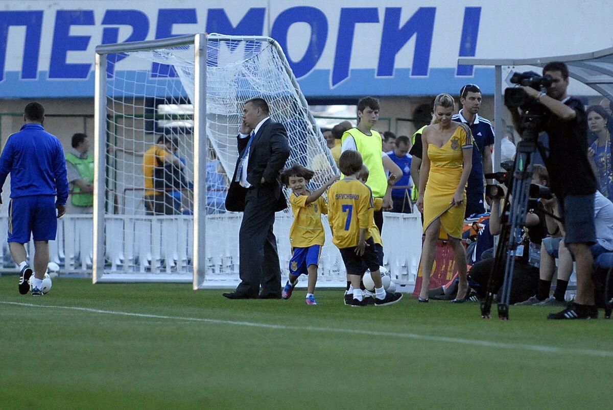 Шаманов забил гол Шевченко-младшему